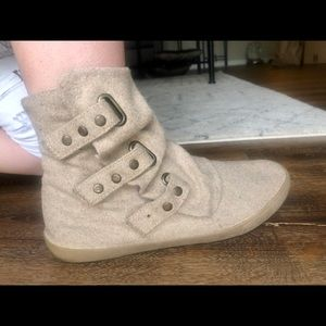 Casual booties for fall, winter or spring!